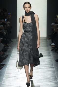 See the complete Bottega Veneta Fall 2016 Ready-to-Wear collection.