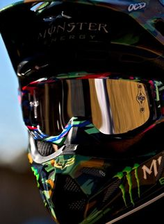 I ride dritbikes and like to race motocross when I can. Moto Enduro, Enduro Motocross, Moto Bike, Dirt Bike Helmets, Dirt Bike Gear, Dirt Biking, Motorcycle Outfit, Motorcycle Bike, Motorcycle Memes