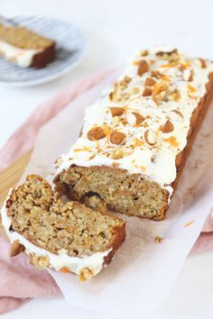 Excellent carrot cake and banana bread, I Love Food, Good Food, Yummy Food, Healthy Cake, Healthy Baking, Lunch Snacks, Clean Eating Snacks, Mini Cakes, Cupcake Cakes