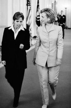 7 Moments When Hillary Clinton Made Pantsuits Look Awesome - Katie Couric tbt hair edition