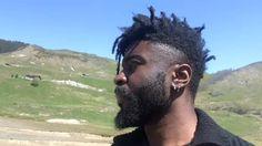 hot guys with dreads Dread Hairstyles, Twist Hairstyles, Men's Haircuts, Haircuts For Men, Harry Samba, Hair And Beard Styles, Hair Styles, Cute Black Guys, Fine Black Men