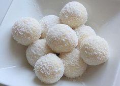 bouchees coconoisette_2 http://www.mangoandsalt.com/2013/03/20/petites-bouchees-coco-noisette/comment-page-1/#comment-21801