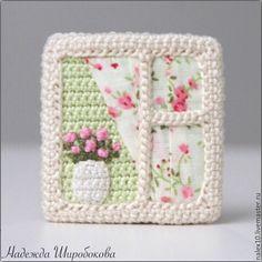 """Купить Брошь """"Розы"""" - брошь окно, брошь с вышивкой, брошь вязаная, романтичное украшение Crochet Home, Love Crochet, Crochet Flowers, Knit Crochet, Quilting Projects, Crochet Projects, Knitting Patterns, Crochet Patterns, Crochet Earrings Pattern"""