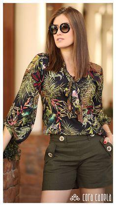 Blusa estampado e short 15 vestidos, vestidos simples, blusas lindas, moda otoño invierno Fashion 2020, Look Fashion, Trendy Fashion, Blouse Styles, Blouse Designs, Winter Outfits, Summer Outfits, Chor, Chic Outfits