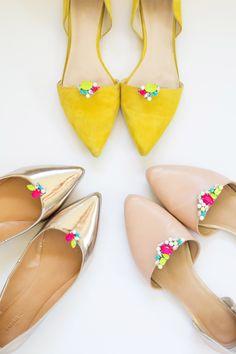Embellished Ballet Flats Diy Fashion, Fashion Shoes, Fashion Accessories, Runway Fashion, Fashion Trends, Stilettos, Heels, Shoe Makeover, Diy Sac