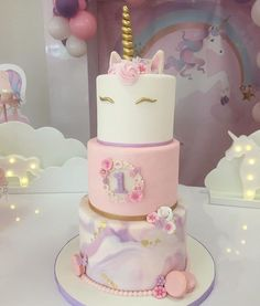 Ivy's birthday party Unicorne Cake, Cake Art, First Birthday Cakes, 1st Birthday Girls, Birthday Ideas, Decors Pate A Sucre, Unicorn Themed Birthday, Simple Baby Shower, Celebration Cakes