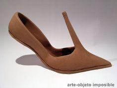 Garrido Bueno, arte-objeto imposible Poesia Visual, Unusual Art, Photo Projects, Conceptual Art, Abstract Photography, Art Plastique, Crazy Shoes, Face Art, Installation Art