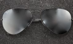 8358f4e969 Ray-Ban Aviator Mirror combines this iconic model with mirrored lenses