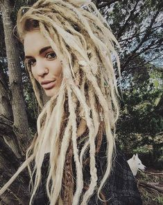 Natty Dread White Girls/ Yes, she know that she is rocking those blond dreads! Blonde Dreadlocks, Locs, White Girl Dreads, Dreads Girl, Dread Braids, Box Braids, Dreadlock Hairstyles, Messy Hairstyles, Black Hairstyles