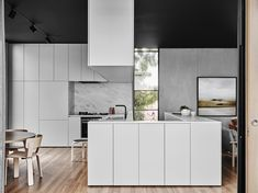 I keep seeing marble everywhere with these sleek kitchens.... Minimal Burnley house | MyDubio