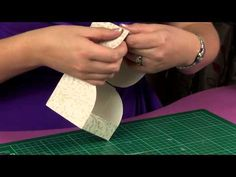 Cupcake Boxes : Single Cupcake Presentation Box - YouTube