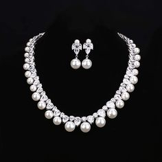 Set with White Beads Neckpiece and Earring