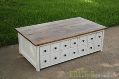 Apothecary Trundle Coffee Table or Toy Box. The bottom half is on wheels and slides out for hidden storage, making it beautiful AND functional! DIY plans from Ana White. She also has a trundle daybed I loved. Coffee Table Plans, Diy Coffee Table, Coffee Table With Storage, Table Storage, Diy Table, Diy Storage, Diy Furniture Plans, Furniture Projects, Home Furniture