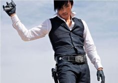 "Lee-Byung-hun as ""The Bad"" in the movie ""The Good,The Bad and The Weird""♥♥"