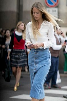 Street Style at Milan Fashion Week Spring 2017 | POPSUGAR Fashion Australia