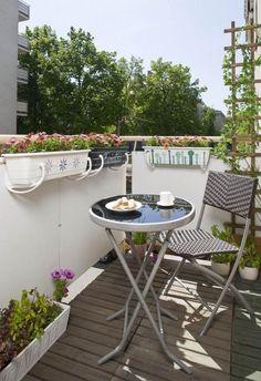 kis erkély ötletek fém arcvédőt összecsukható bútorok rács borostyán