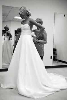 ❤❤ Maybe for my 2nd wedding dress of the night?? W.A.  Very pretty by mindy