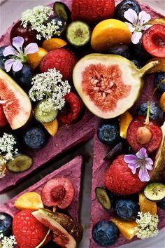 Soft Berry Raw Cake (gluten + dairy-free!)