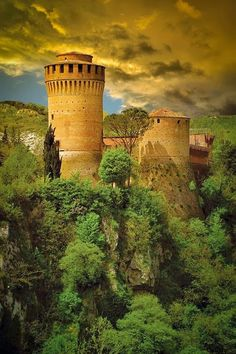 Fortress of Brisighella . Italy 空気感がたまりません。