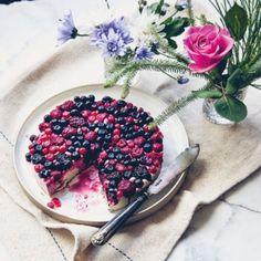 Berry & white chocolate cheesecake