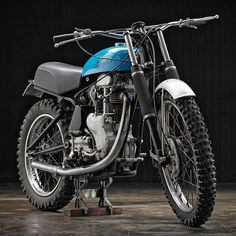 Barn find! This rare Velocette classic motorcycle was used as a scrambler in the 1950s and then abandoned. It's now being restored to former glories in France.