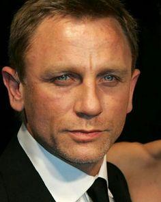 My eyes are on you Rachel Weisz, Daniel Craig James Bond, Jason Isaacs, Best Bond, Hey Gorgeous, Beautiful, Handsome Actors, Jared Leto, Celebrity Crush