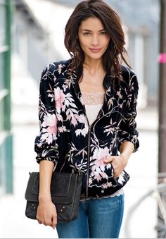 floral jacket http://www.laredoute.gr/SOFT-GREY-Mpoufan-me-fermouar_p-253000.aspx?prId=324411441