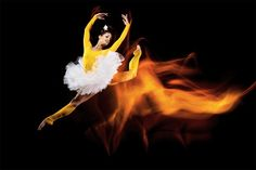Beautiful Light Painting Photos Created With Dancers and Athletes slowshutter1