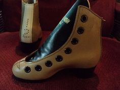 Vintage Dominion U.S.A skate boots ? I dont know,do you? $29.99 start bid free shipping and tracking