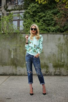 palm 2017 print sweater with boyfriend jeans