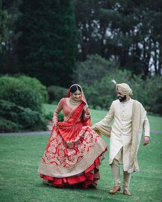Latest Sherwani Dupatta Designs And Styling Ideas For Grooms Sikh Bride, Sikh Wedding, Punjabi Wedding, Saree Wedding, Boho Wedding, Wedding Couples, Wedding Reception, Wedding Ideas, Indian Wedding Photos