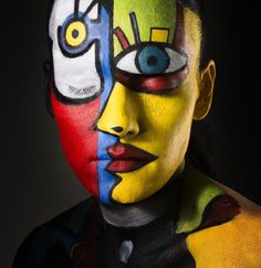 Tribute to mr. Picasso by Ketil Born tribute to mr. Picasso (by Ketil Born) (K . - Tribute to mr. Picasso by Ketil Born tribute to mr. Picasso (by Ketil Born) (body painting) The mos - Maquillage Halloween, Halloween Makeup, Photographie Art Corps, Art Visage, Body Art Photography, Creative Photography, Portrait Photography, Make Up Art, Eye Art
