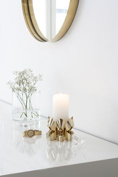 Palea candle holder with gold mirror and watch