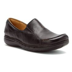 Clarks Womens Clarks Unstructured UnBuckle Leather Slipon Loafer 6 M Black ** Learn more by visiting the affiliate link Amazon.com on image.