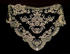 Mantilla in black and gold Border Embroidery Designs, Embroidery Patterns, Hand Embroidery, Mantilla Veil, Lace Veils, Spanish Veil, Catholic Veil, Wedding Headdress, Chapel Veil
