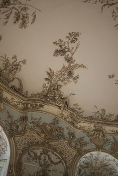 Clarimonde's bedroom ceiling from when she was a girl and in a former life///    Ceiling detailinAmalienburg. Schloss Nymphenburg, Munich.