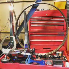 手組11速ホイール。 Rim: AMBROSIO Crono Formula 20 32H Hub: SHIMANO HB-5800 / FH-5800 Spoke: F: DT Competion 3x / DS: DT Champion 3x / NDS: DT Competion 3x Nipple: DT Aluminium #cicloclon #シクロクロン #bicycle #自転車 #wheelbuilding #ambrosio #shimano #dtswiss http://misstagram.com/ipost/1550401867207776808/?code=BWEIkiqBZoo