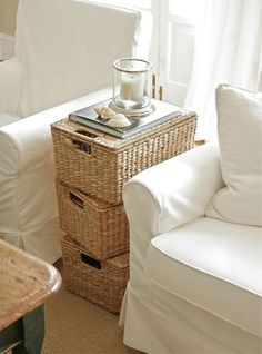 Great Beachy Storage Soluations with Wicker Baskets. Featured on Beach Bliss Living: http://beachblissliving.com/wicker-baskets-beach-decor/