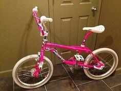 GT Pro Freestyle Tour Team BMX Bike Vintage Bmx Bikes, Retro Bicycle, Old Bicycle, Bicycle Parts, Gt Bikes, Cool Bikes, Gt Bmx, Bicycle Tattoo, Bmx Street