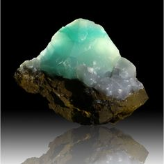Smithsonite ~ Jean Baptiste Mine, Lavrion, Attica, Greece Formula: ZnCO3 Strunz: 5.AB.05 Hardness: 4.0 - 4.5 Streak: White