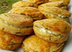 Delicious Pastry with Dill – Emine Nefis Dereotlu Poğaça Delicious Pastry with Dill Delicious Cake Recipes, Yummy Cakes, Yummy Food, Turkish Recipes, Mexican Food Recipes, Pastry Recipes, Snacks, Baking Flour, Relleno
