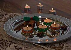 Faça um arranjo rápido usando velas votivas e passamanarias.  #craft #artesanato #christmas #tealights
