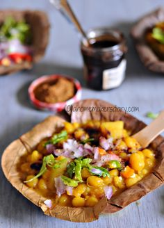 A Homemaker's Diary: Ghugni (Dried Yellow peas curry) Puri Recipes, Indian Food Recipes, Vegetarian Recipes, Breakfast Recipes, Snack Recipes, Cooking Recipes, Chhole Recipe, Chats Recipe, Maharashtrian Recipes