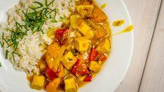 Sváteční pohoštění nejen pro návštěvu. Tofu, Thai Red Curry, Food And Drink, Chicken, Ethnic Recipes, Fit, Shape, Cubs