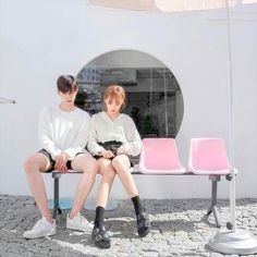 Image about fashion in ulzzang 💫 📷 by celine zheng Couple Ulzzang, Ulzzang Girl, Couple Posing, Couple Shoot, Cute Korean, Korean Girl, Ulzzang Fashion, Korean Fashion, Couple Avatar