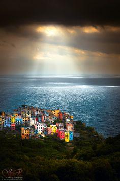 Corniglia, Cinque Terre, Italy    suspended by Sergio Del Rosso