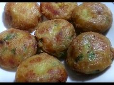 Blog met Indonesische recepten,Indische recepten,Indisch koken,Indonesisch koken en reizen Indonesië. Potato Cutlets, Baked Roast, Indonesian Food, Indonesian Recipes, Battered And Fried, Asian Recipes, Ethnic Recipes, Roasted Meat, Fritters