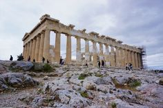 The land of Gods: Athens and Mykonos - Backpack Globetrotter Parthenon Athens, White Houses, Sandy Beaches, Mykonos, Greece, Backpack, Louvre, Travel, White Homes
