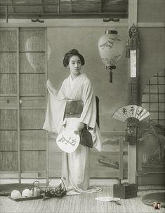 新橋芸妓 相模屋桃太郎 / Momotaro of Shinbashi