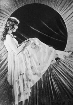 Jobyna Ralston, 1920's (1899-1967). American Broadway stage actress and a silent film actress.